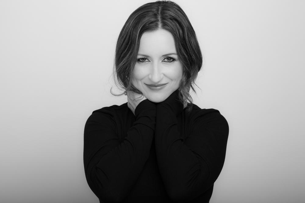 Andrea Scoretz - Writer - Must Love Crows